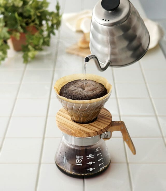 コーヒーは水のpH値でもおいしさが変わる?pH値に注目してみよう!