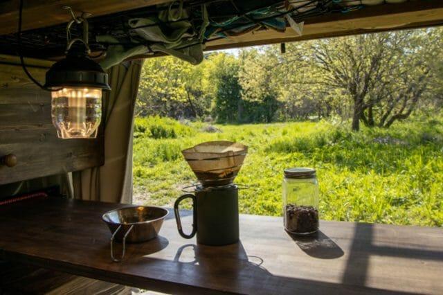 キャンプで至極のコーヒーを味わいたい!おしゃれな道具で入れる時間も楽しもう