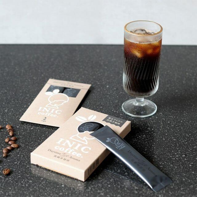 「INIC coffee」より本格炭焼きアイスコーヒー登場